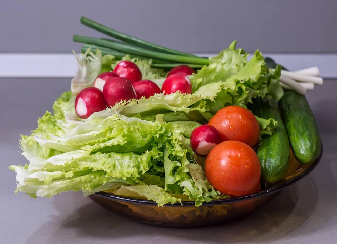 Frisches Obst und Gemüse: Anbautests für künftige Mond- oder Marsmissionen